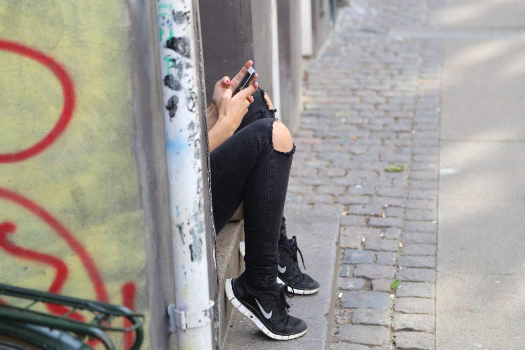 ragazza_smartphone