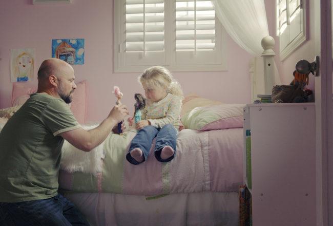 Barbie, la nuova campagna di Mattel mette al centro i papà