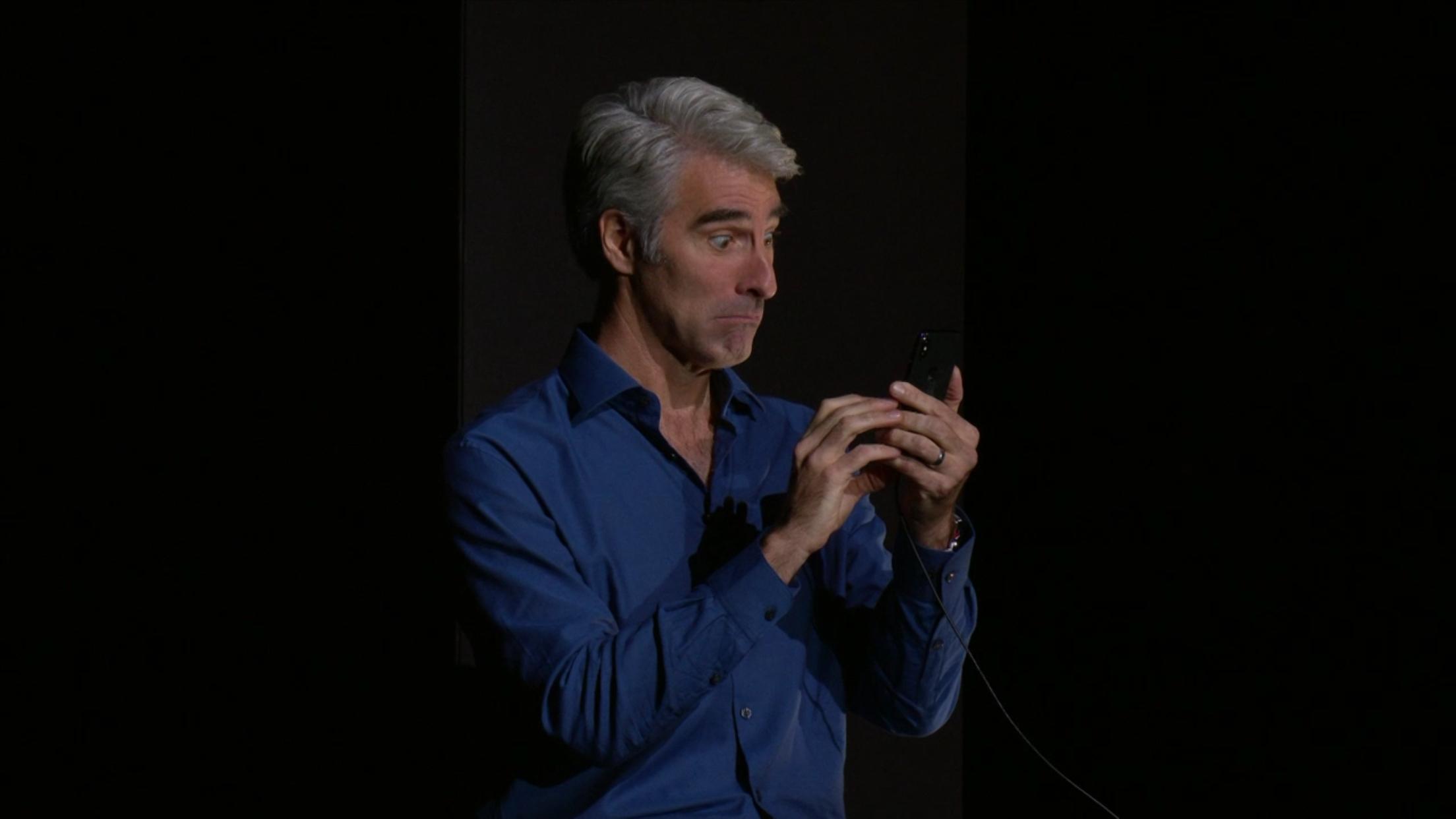 iPhone X - Face ID - Craig Federighi - Apple Dotmug