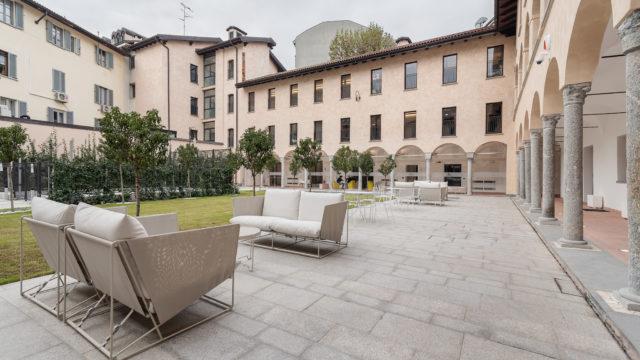 https://www.dotmug.net/wp-content/uploads/2018/12/LE-VILLAGE-Corso-di-Porta-Romana-61-20122-Milano-MI__9-640x360.jpg